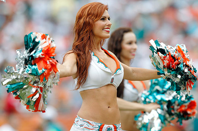 Miami Dolphins Cheerleader (15)